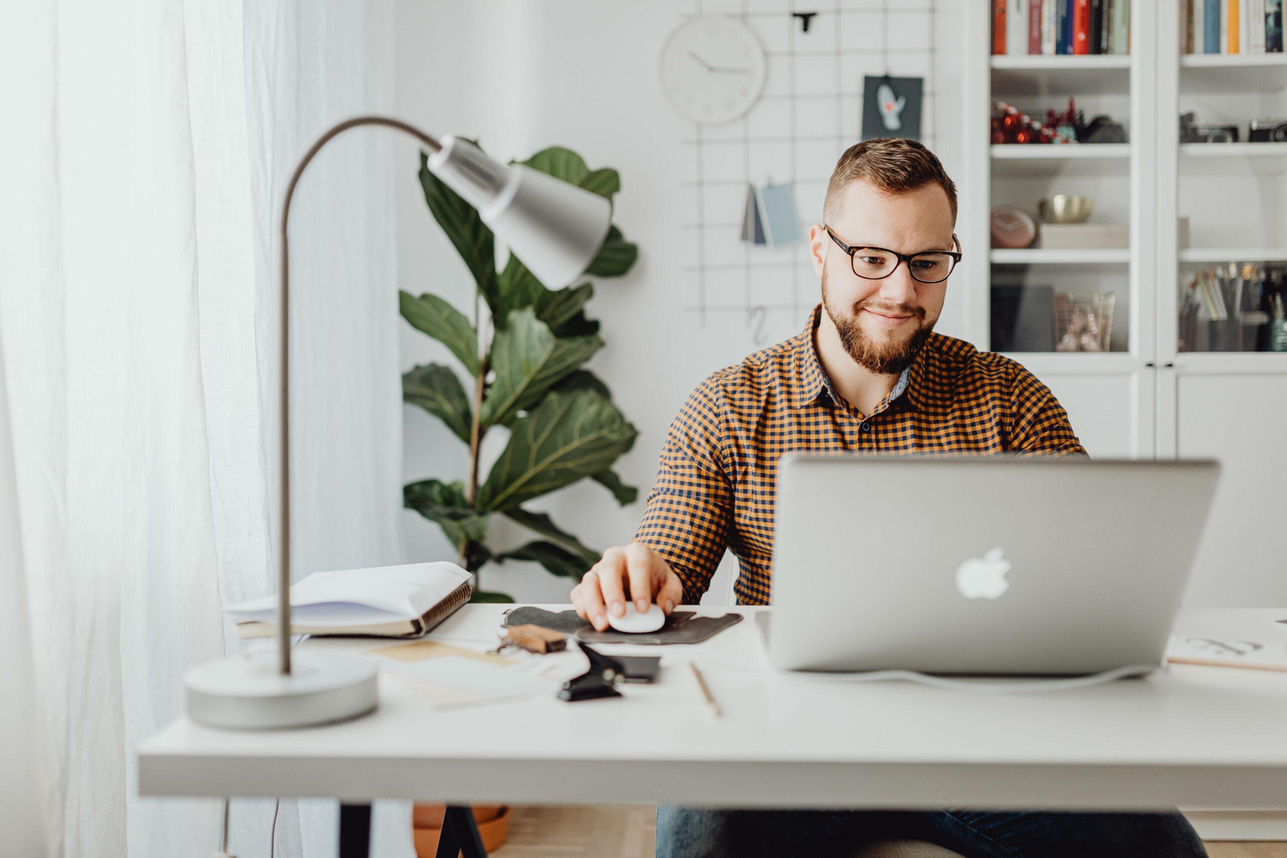 Kurz online marketingu je na Digitálnej Univerzite zakončený uznávaným certifikátom.